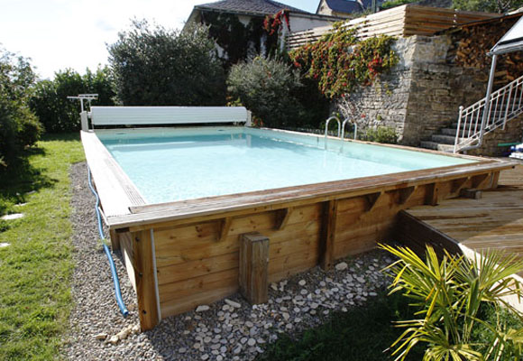Piscine bois de qualit tout l 39 univers de la piscine bois for Piscine jardin rectangle