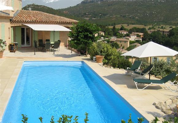 piscine coque piscines en polyester et accessoires