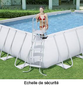 http://www.piscines-hydrosud.fr/medias_produits/imgs/echelle-4-marches-piscine-rectangulaire-bestway.jpg