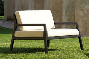 https://www.piscines-hydrosud.fr/medias_produits/imgs/fauteuil-salon-modena.jpg